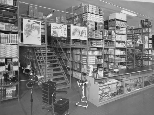 Calenda SpA nel 1962 - Forniture per parrucchieri all'ingrosso